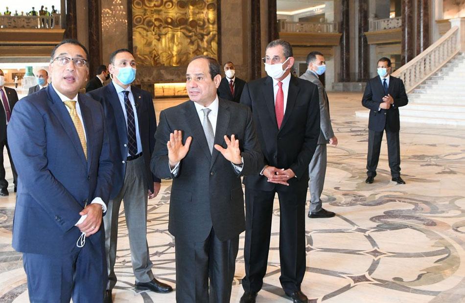 المتحدث الرئاسي ينشر صور تفقد الرئيس السيسي بعض منشآت العاصمة الإدارية