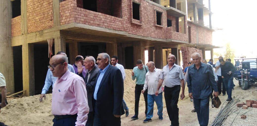 نقيب معلمي بني سويف استئناف أعمال بناء أبراج المعلمين بعد حصولها على حكم قضائي | صور