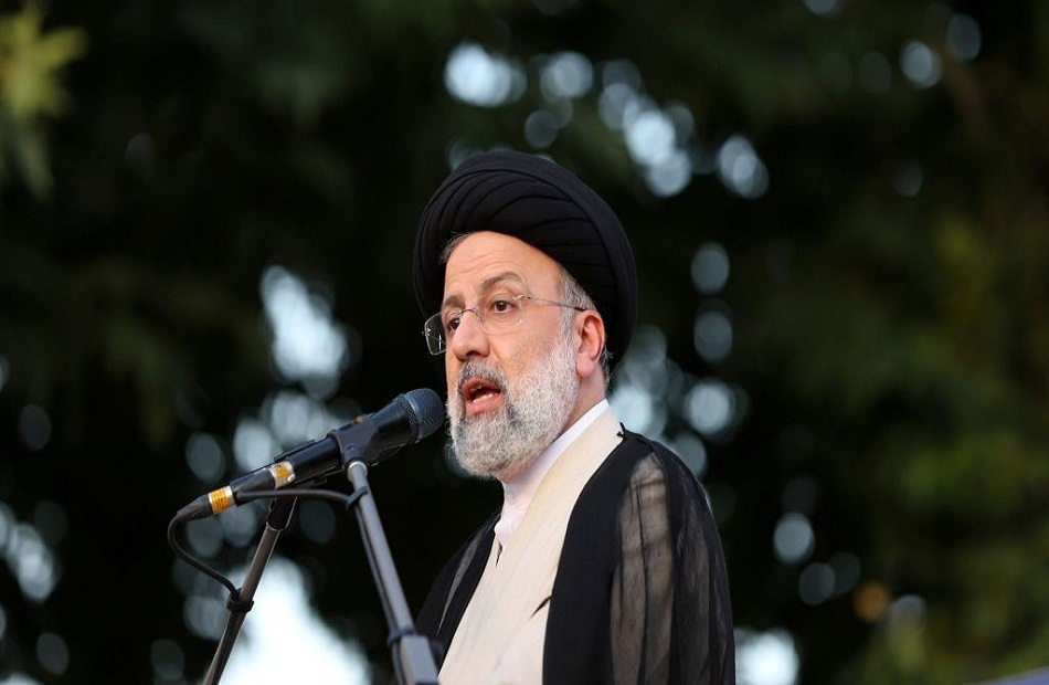 الرئيس الإيراني يبحث هاتفيا مع نظيره الفرنسي الاتفاق النووي