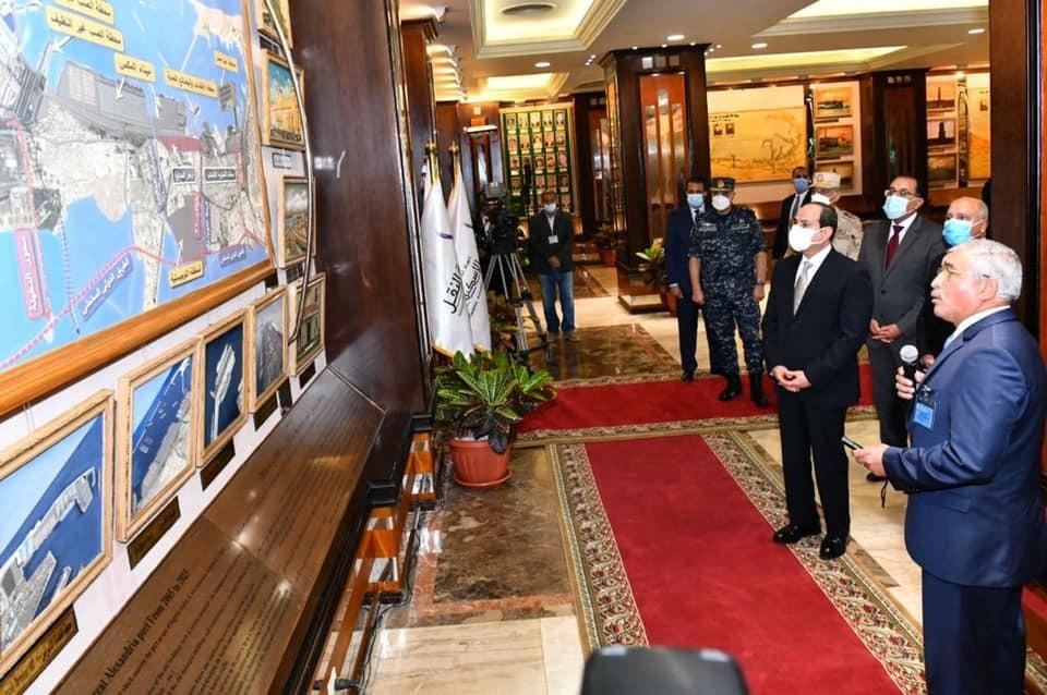 شاهد صور تفقد الرئيس السيسي متحف ميناء الإسكندرية البحري والقاعة التاريخية