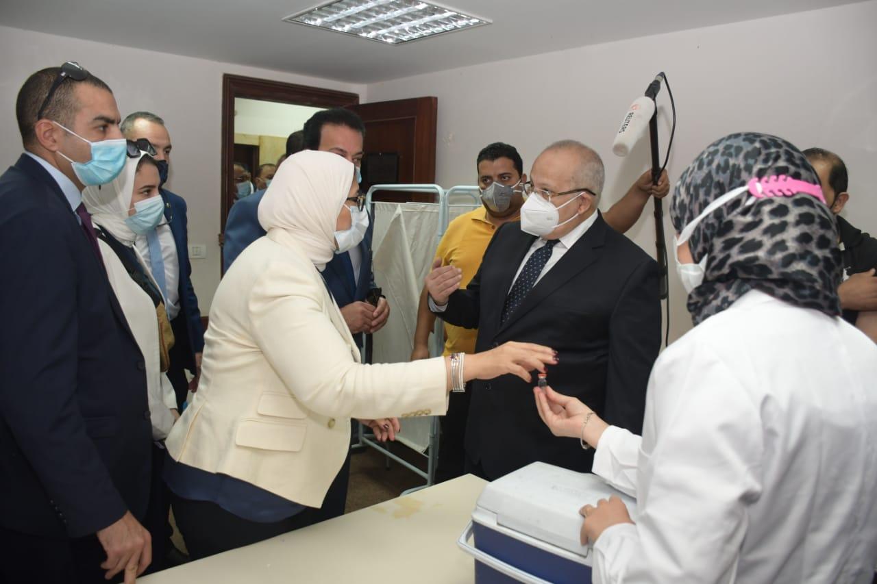 وزيرة الصحة تنسيق كامل بين المستشفيات الجامعية والمديريات لتوفير تطعيم كورونا