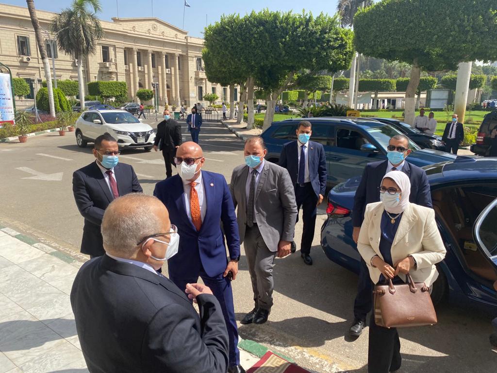 وزيرة الصحة إصدار شهادات التطعيم بـQRCode مجانًا لجميع الطلاب والعاملين بالجامعات المصرية