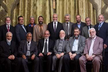 قضية اليوم يكتبها : أحمد البرى .. حل جماعة الإخوان !