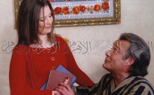 فاروق الفيشاوى فى مشهد من مسلسل رجل وامرأتان .